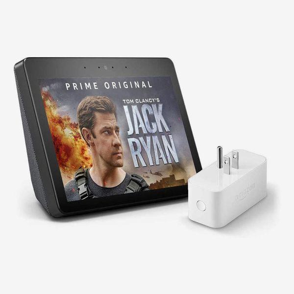 Amazon Echo Show (2nd Gen) with Amazon Smart Plug