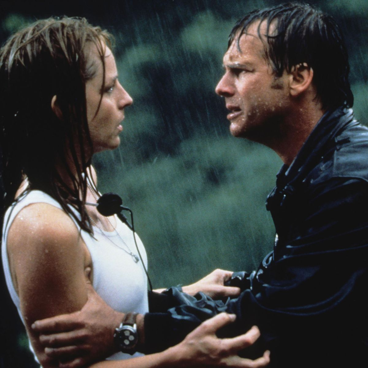 Twister Is The Perfect 90s Disaster Flick