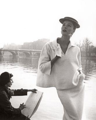 <i>Suzy Parker by the Seine, costume by Balenciaga, Paris.</i>