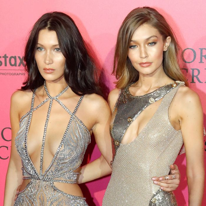 d26aec33951ab In True Sisterly Move, Gigi Hadid Covertly Steals Bella Hadid's Clothes