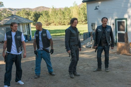"SONS OF ANARCHY -- ""Faith and Despondency "" -- Episode 710 -- Airs Tuesday, November 11, 10:00 pm e/p) -- Pictured: (L-R) Charlie Hunnam as Jax Teller, David Labrava as Happy, Kim Coates as Tig Trager, Tommy Flanagan as Chibs Telford. CR: Prashant Gupta/FX"