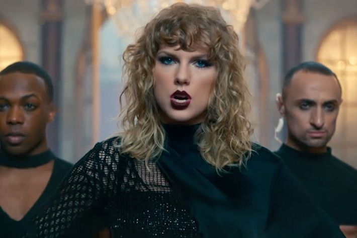 Review taylor swifts new song look what you made me do swift photo big machine recordsgmatwitter m4hsunfo