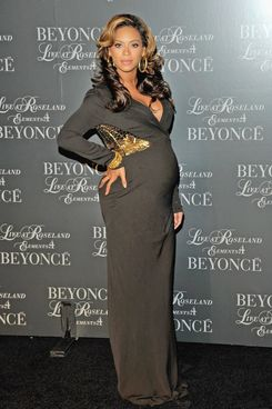"NEW YORK, NY - NOVEMBER 20:  Singer Beyonce hosts the screening of ""Live at Roseland: The Elements of 4"" at the Paris Theatre on November 20, 2011 in New York City.  (Photo by Jemal Countess/Getty Images)"