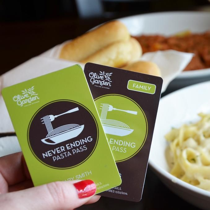 The breadsticks and Coca-Cola refills never end, either.