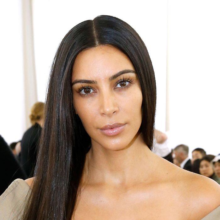 24f3405e2c2 Kim Kardashian Went to a Fashion Show Without Any Makeup