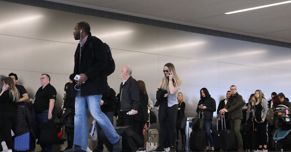 Here's Why Airplane Boarding Got So Ridiculous