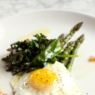 Asparagus with egg.