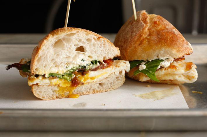 Farmhouse: crispy pancetta, ricotta, honey, baby spinach, fig jam, Pugliese roll.
