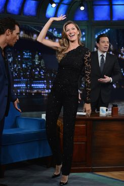 "Gisele Bundchen visits ""Late Night With Jimmy Fallon"" at Rockefeller Center on January 6, 2014 in New York City."