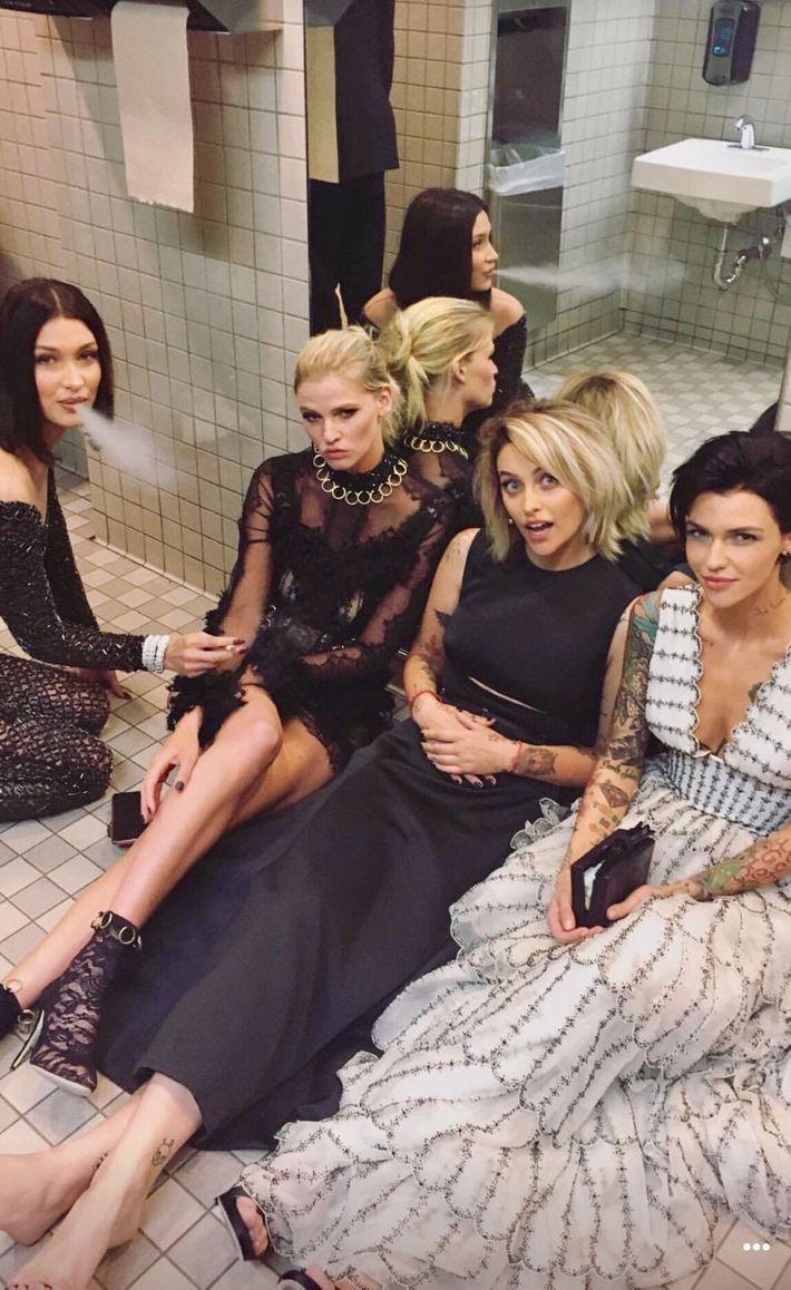 nyc health department blasts celebs for smoking at met gala. Black Bedroom Furniture Sets. Home Design Ideas