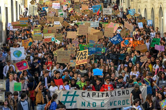 Climate strike in Lisbon.