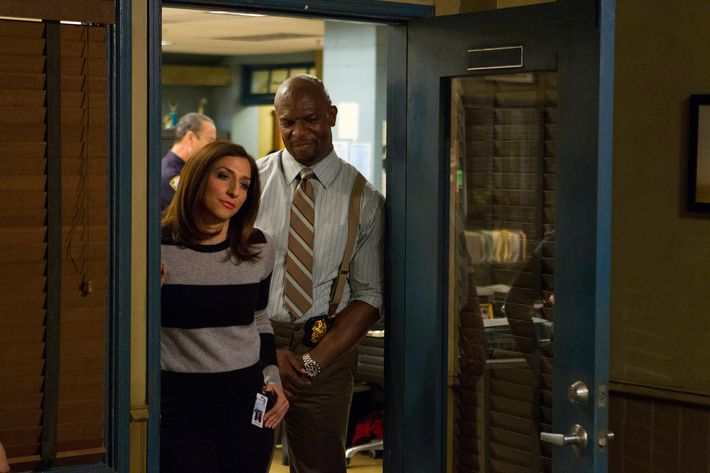 "BROOKLYN NINE-NINE: L-R: Chelsea Peretti and Terry Crews in the ""The Cruise"" episode of BROOKLYN NINE-NINE airing Tuesday, Jan. 26 (8:30-9:00 PM ET/PT) on FOX ©2015 Fox Broadcasting Co. Cr: John P Fleenor"