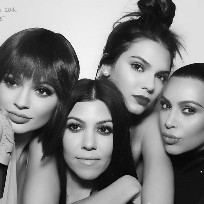 It's the mirmir Kardashian photobooth.