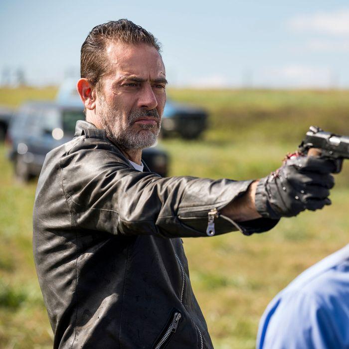 The Walking Dead Finale Does Negan Die