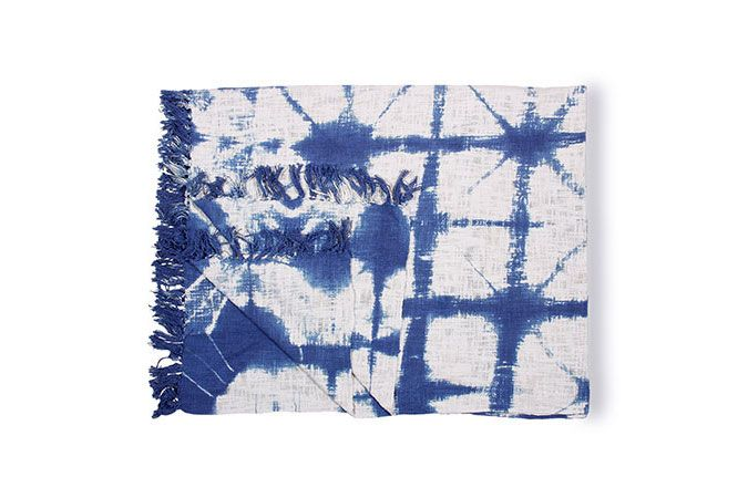 Casa Amarosa Indigo and White Throw