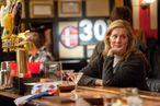 Laura Linney as Cathy in The Big C (Season 3, episode 1) - Photo: David M. Russell/SHOWTIME - Photo ID: TheBigC_301_1060