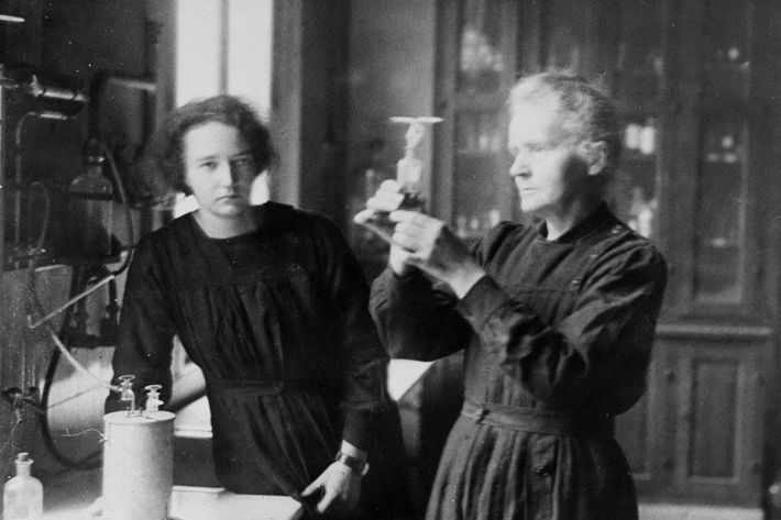 FRANCE - JANUARY 09:  Scientist Marie Curie and daughter, Irene, working in the radium laboratory in Paris.  (Photo by NY Daily News Archive via Getty Images)