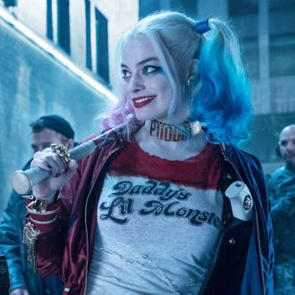 dc finally decided on its harley quinn movie
