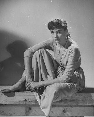 Doe Avedon, photographed by Bob Landry in 1948.