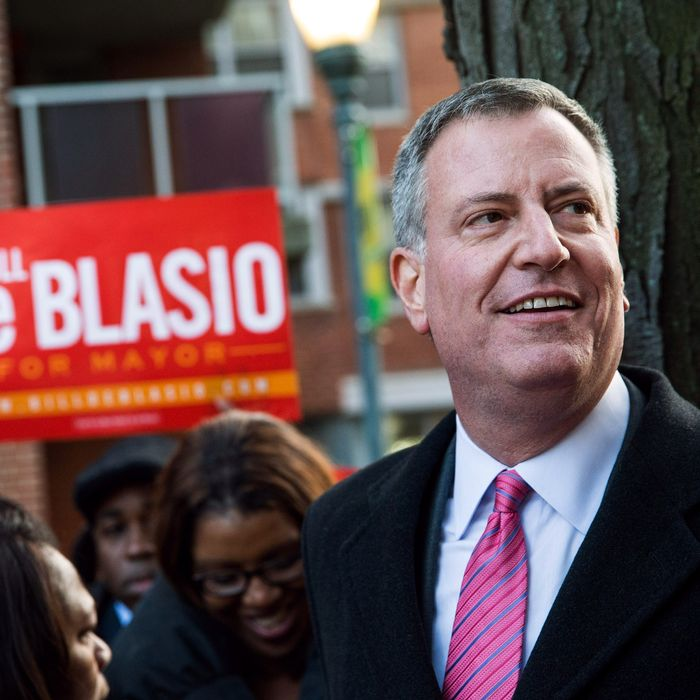 NEW YORK, NY - NOVEMBER 04: New York City Mayoral candidate Bill De Blasio speaks to campaign volunteers in a public housing village on November 4, 2013 in the Queens borough of New York City. De Blasio is considered the strong frontrunner as New York City voters go to the polls tomorrow to vote for the next mayor. (Photo by Andrew Burton/Getty Images)