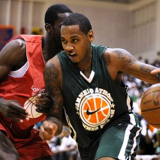 Carmelo Anthony drives to the hoop during the Goodman League All-Stars taking on The Melo League.