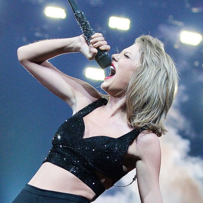 Taylor Swift The 1989 World Tour Live In Montreal