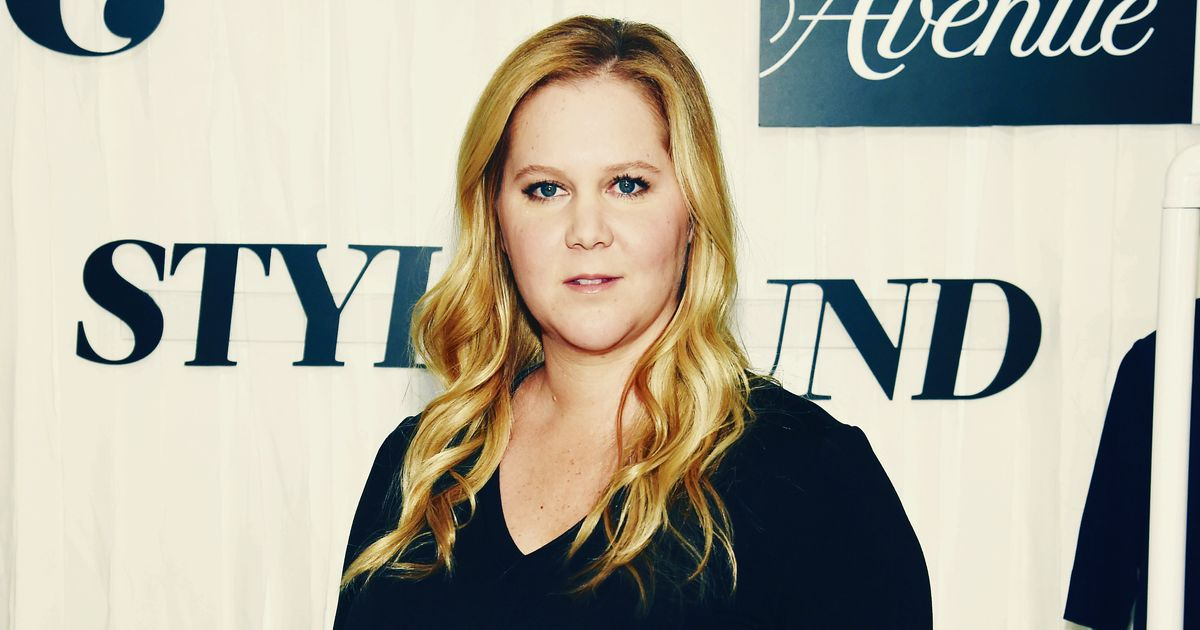 Amy Schumer Just Really Loves This Clean Beauty Brand
