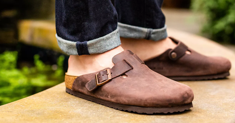 What's the Best Way to Wear Men's Clogs?