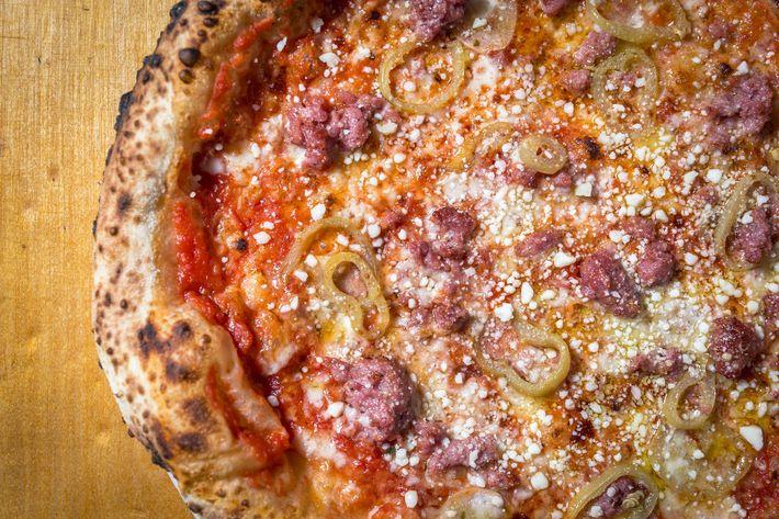 Federal Hill: tomato, sausage, wax peppers, garlic, oregano, provolone dolce, Pecorino Romano.
