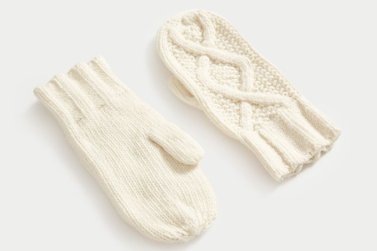 Everlane The Cable Mitten