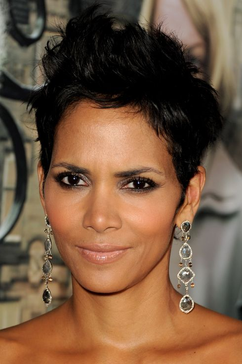 "LOS ANGELES, CA - OCTOBER 24:  Actress Halle Berry arrives at the premiere of Warner Bros. Pictures' ""Cloud Atlas"" at the Chinese Theatre on October 24, 2012 in Los Angeles, California.  (Photo by Kevin Winter/Getty Images)"