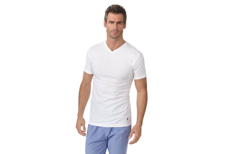 The Best Men's Classic White T-Shirt. This is the ultimate essential of all essentials and the one which accompanies all shapes. The day-to-day white T-shirt is the go-to item to own in your wardrobe. If you have ever overslept before work and need to throw on a pair of jeans, the standard plain white tee is one of the best men's T-shirts.