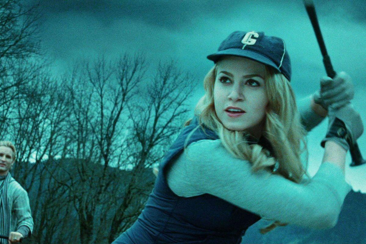 cf0962db5a8 Twilight s Vampire Baseball Scene Is Very Funny