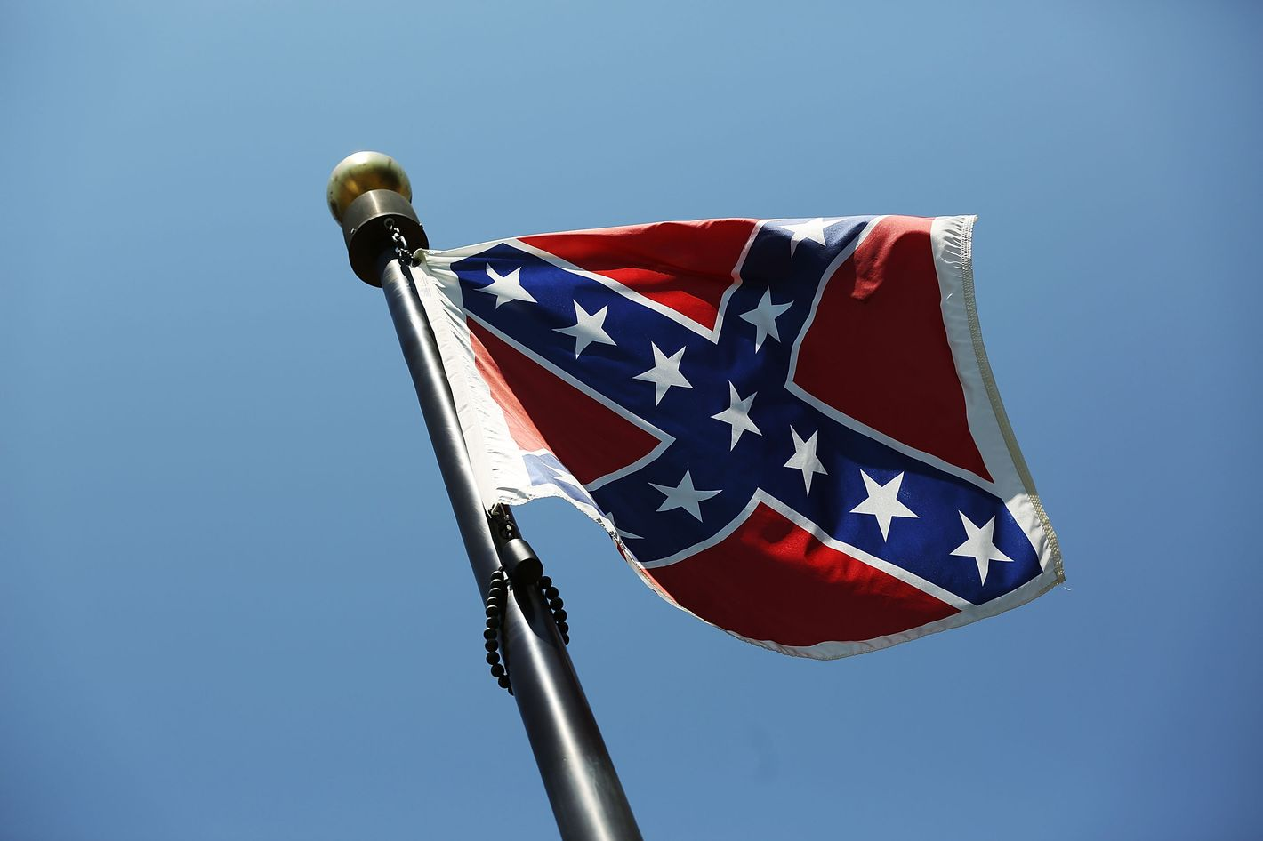 Whos Keeping Their Confederate Flags Whos Not