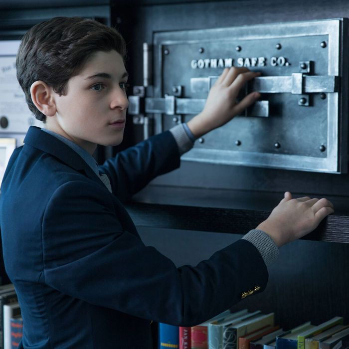 "GOTHAM: Bruce (David Mazouz) discovers Sid Bunderslaw's safe in ""The Anvil or the Hammer"" episode of GOTHAM airing Monday, April 27 (8:00-9:00 PM ET/PT) on FOX. ?2015 Fox Broadcasting Co. Cr: Jessica Miglio/FOX."
