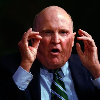 MIAMI - JANUARY 16: Jack Welch, President, Jack Welch, LLC, speaks during the Global Business Forum on the University of Miami campus January 16, 2009 in Miami, Florida. The forum was bringing together business leaders to share ideas. (Photo by Joe Raedle/Getty Images) *** Local Caption *** Jack Welch