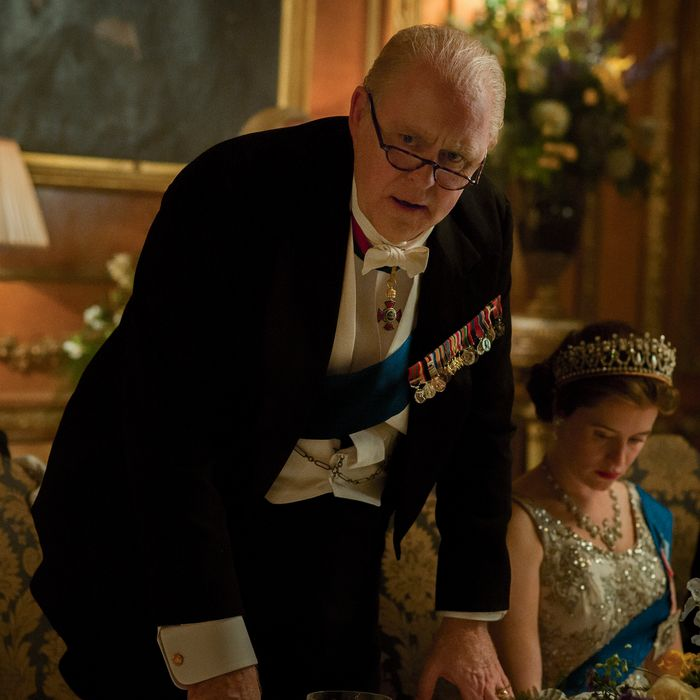John Lithgow as Winston Churchill, Claire Foy as Elizabeth.