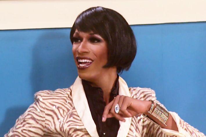 48 Sahara Davenport As Whitney Houston Season 2
