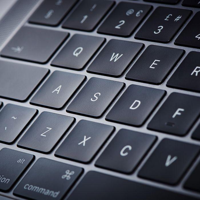 64e30263ad1 Apple Finally Says It'll Fix Its Crappy MacBook Keyboard