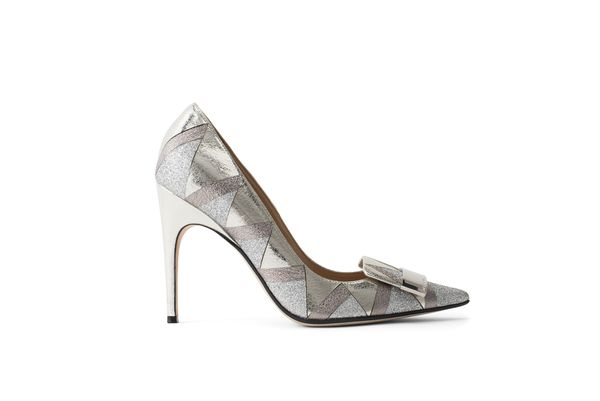 Court Shoe in Silver Laminated Crackled Leather