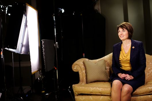WASHINGTON, DC - JANUARY 28:  U.S. Rep. Cathy McMorris Rodgers (R-WA) sits on a couch as she prepares for responding to President Barack Obama tonight's State of the Union address January 28, 2014 on Capitol Hill in Washington, DC. McMorris Rodgers, the chair of the House Republican Conference, was picked to deliver the response.  (Photo by Alex Wong/Getty Images)