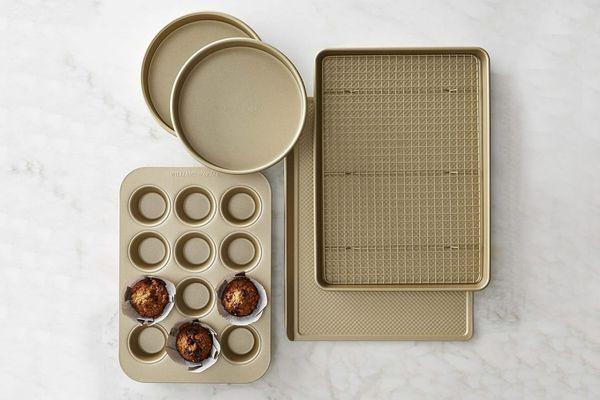 Williams Sonoma Goldtouch Nonstick 6-Piece Essentials Bakeware Set