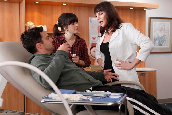 "NEW GIRL:  When Nick (Jake Johnson, L) is hurt playing touch football, Jess (Zooey Deschanel, C) discovers he doesn't have insurance and brings him to her friend (guest star June Diane Raphael, R) who is an OB-GYN in the ""Injured"" episode of NEW GIRL airing Tuesday, March 6 (9:00-9:30 PM ET/PT) on FOX."