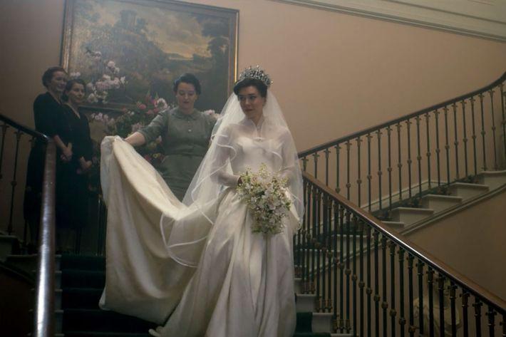 Princess Margarets Wedding >> The Crown Season 2: The Most Memorable Fashion Looks