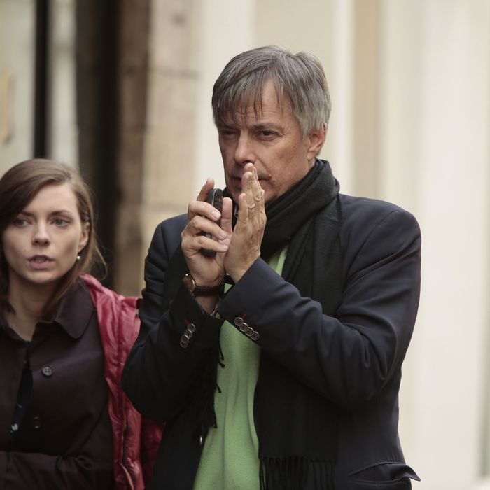 Carrie MacLemore and Whit Stillman on the set of <em>The Cosmopolitans</em>.