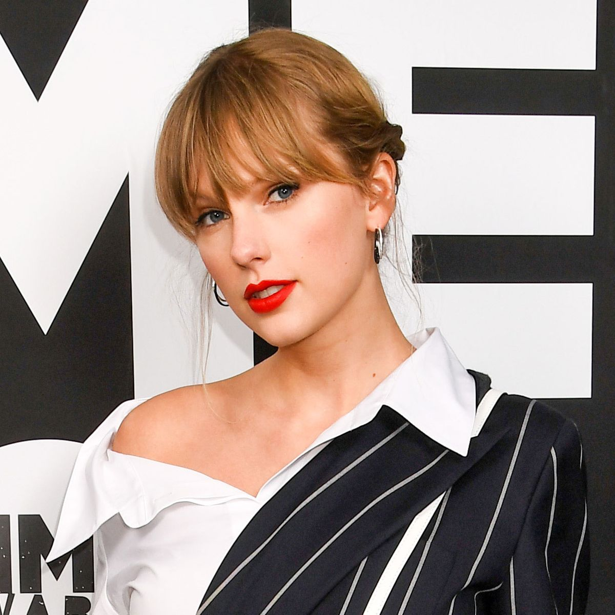 Taylor Swift Tweets at Donald Trump 'We Will Vote You Out'
