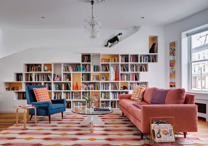 A sunny brooklyn home designed for booklovers and cats - Ranch americain poet interiors houston ...