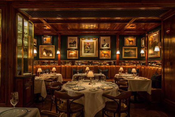what to eat at the polo bar ralph lauren s swanky spot for american classics. Black Bedroom Furniture Sets. Home Design Ideas