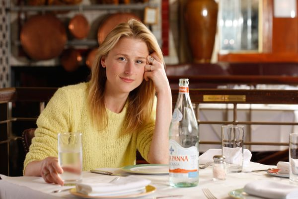 Mamie Gummer Breaks From Rehearsal for Steak, Guac, and Breakfast Sandwiches