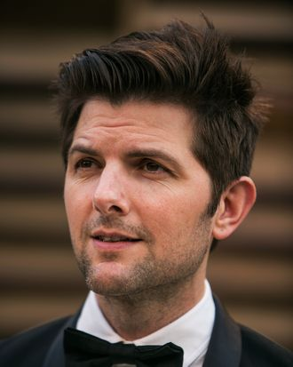 Adam Scott arrives to the 2014 Vanity Fair Oscar Party on March 2, 2014 in West Hollywood, California. AFP PHOTO/ADRIAN SANCHEZ-GONZALEZ (Photo credit should read ADRIAN SANCHEZ-GONZALEZ/AFP/Getty Images)